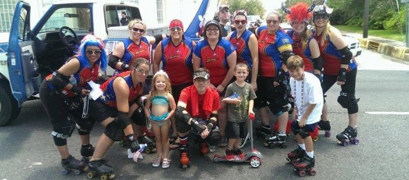 Cajun Rollergirls in the Houma Independence Celebration Parade!